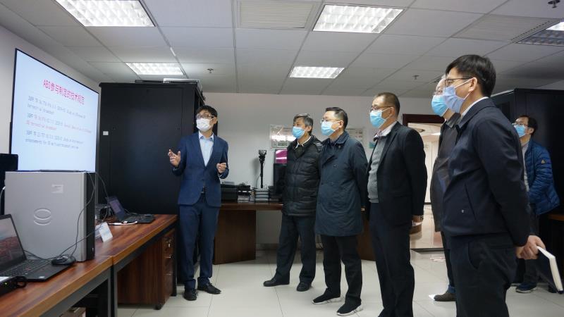 朱詠雷(lei)副部長調研我院廣電5G技術(shu)研究kang)yu)業務創新實驗室